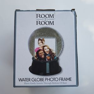 😍NEW WITH BOX😍 WATER GLOBE PHOTO FRAME😍📷